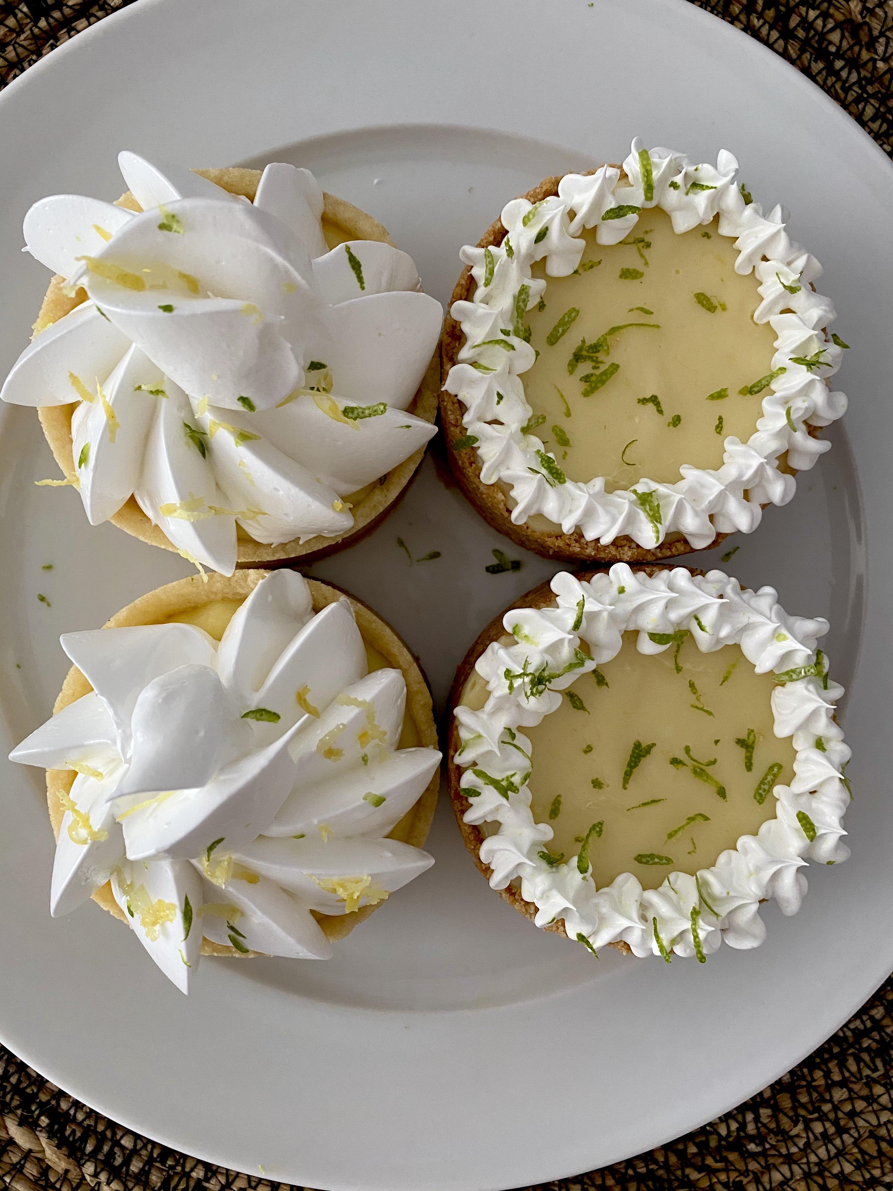 Box mini cakes